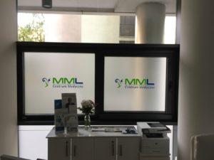 oklejenie witryn centrum medyczne mml warszawa